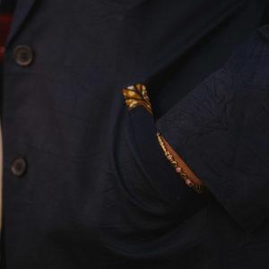 veste longue bleu customisée