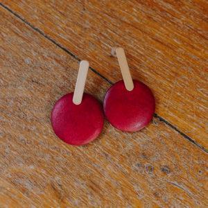 boucles d'oreilles rouge bordeauxen bois